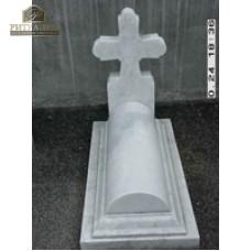 Крест с надгробной плитой из белого мрамора  — ritualum.ru